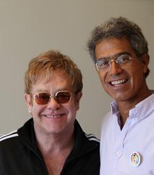 Elton John gives  £1m to SA project
