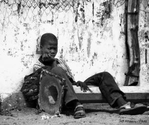 A 2005 survey found that there were about 3,000 street children in Gauteng alone