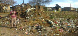 Residents of Reitz complain that people are dumping their rubbish in the streets.