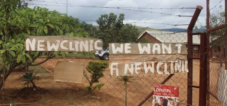 Community demands the rebuilding of clinic