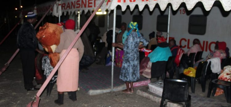 Patients brave the cold to get on Phelophepa
