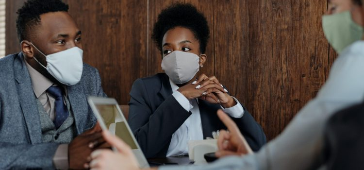 Study finds wearing masks could relax attitudes toward social distancing regulations