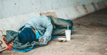 Homeless man living with rectal cancer desperate for help.